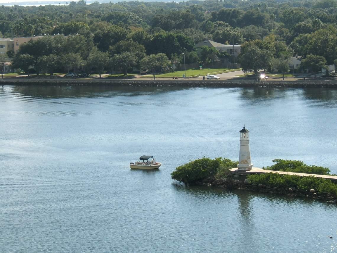 Harbour Island - Paul Beattie