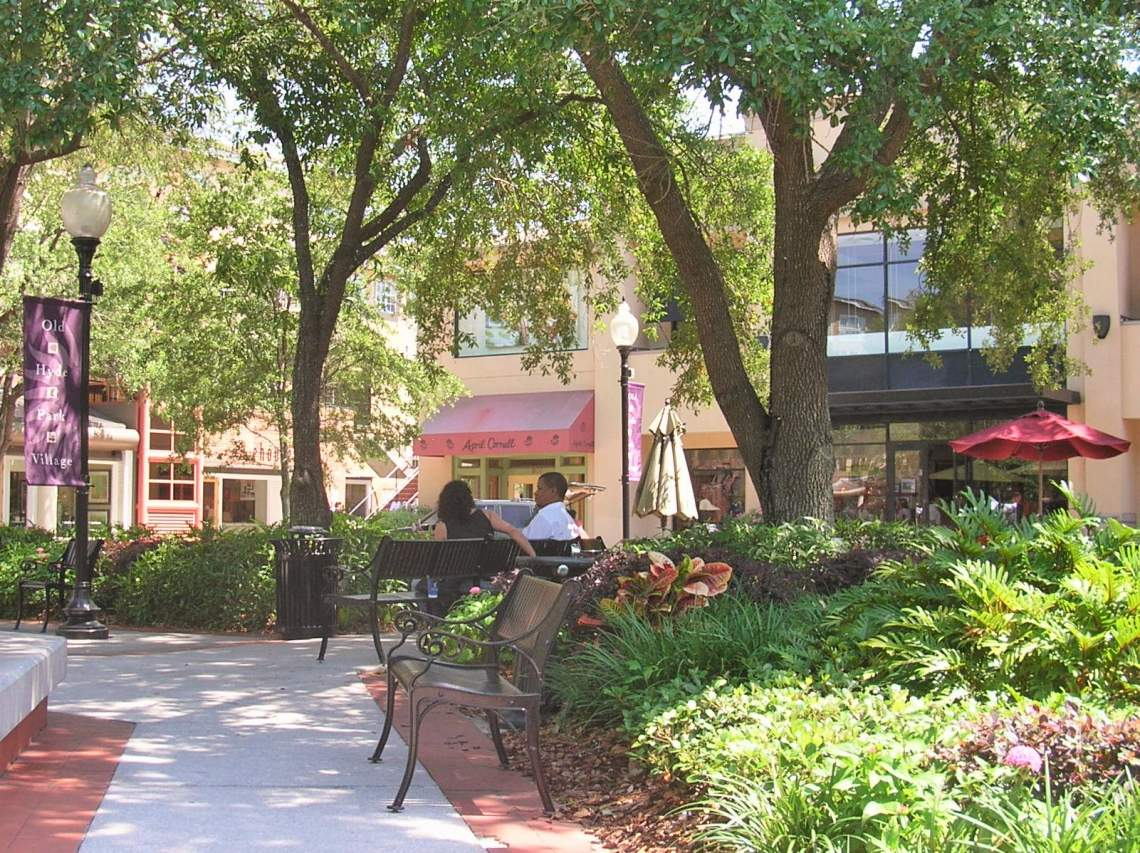 Shopping and Relaxing in South Tampa's Old Hyde Park - Josh Hallett