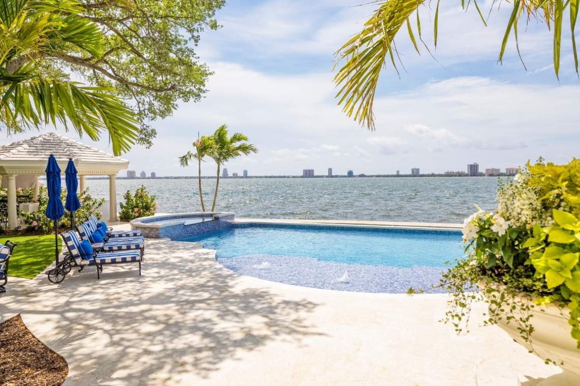 Waterfront Home in South Tampa on Hillsborough Bay