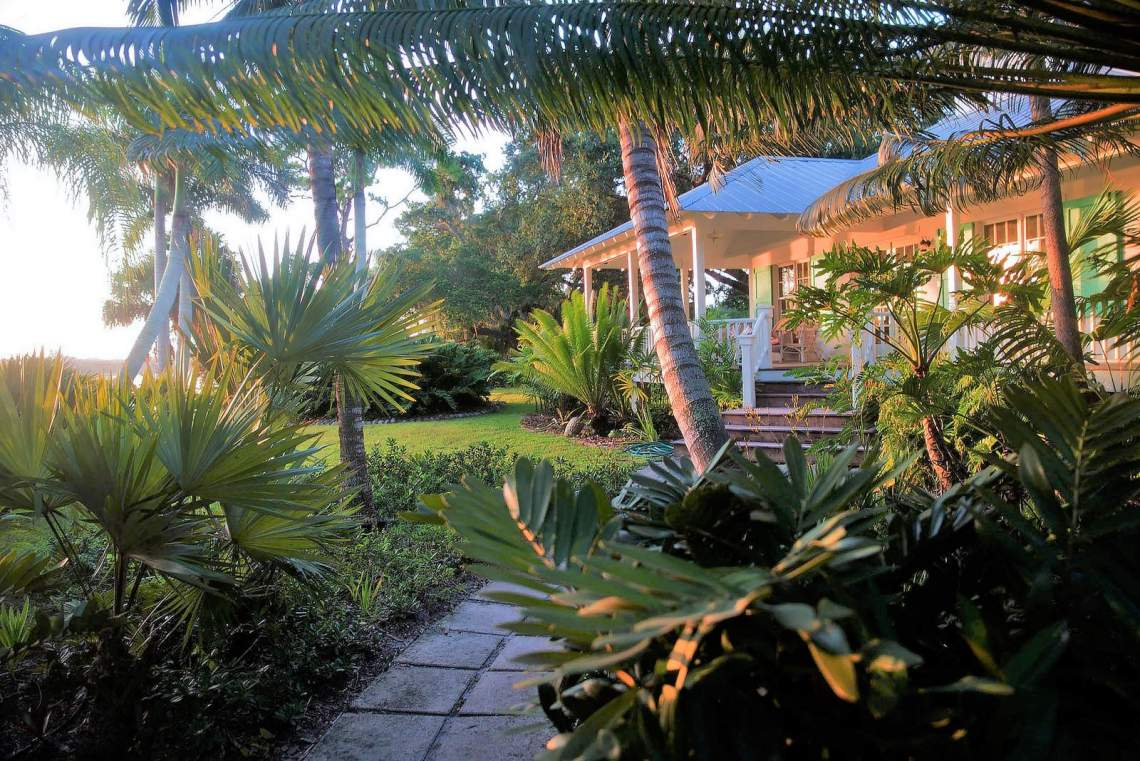 St. Pete Beach Waterside Cottage - Roger Kirby